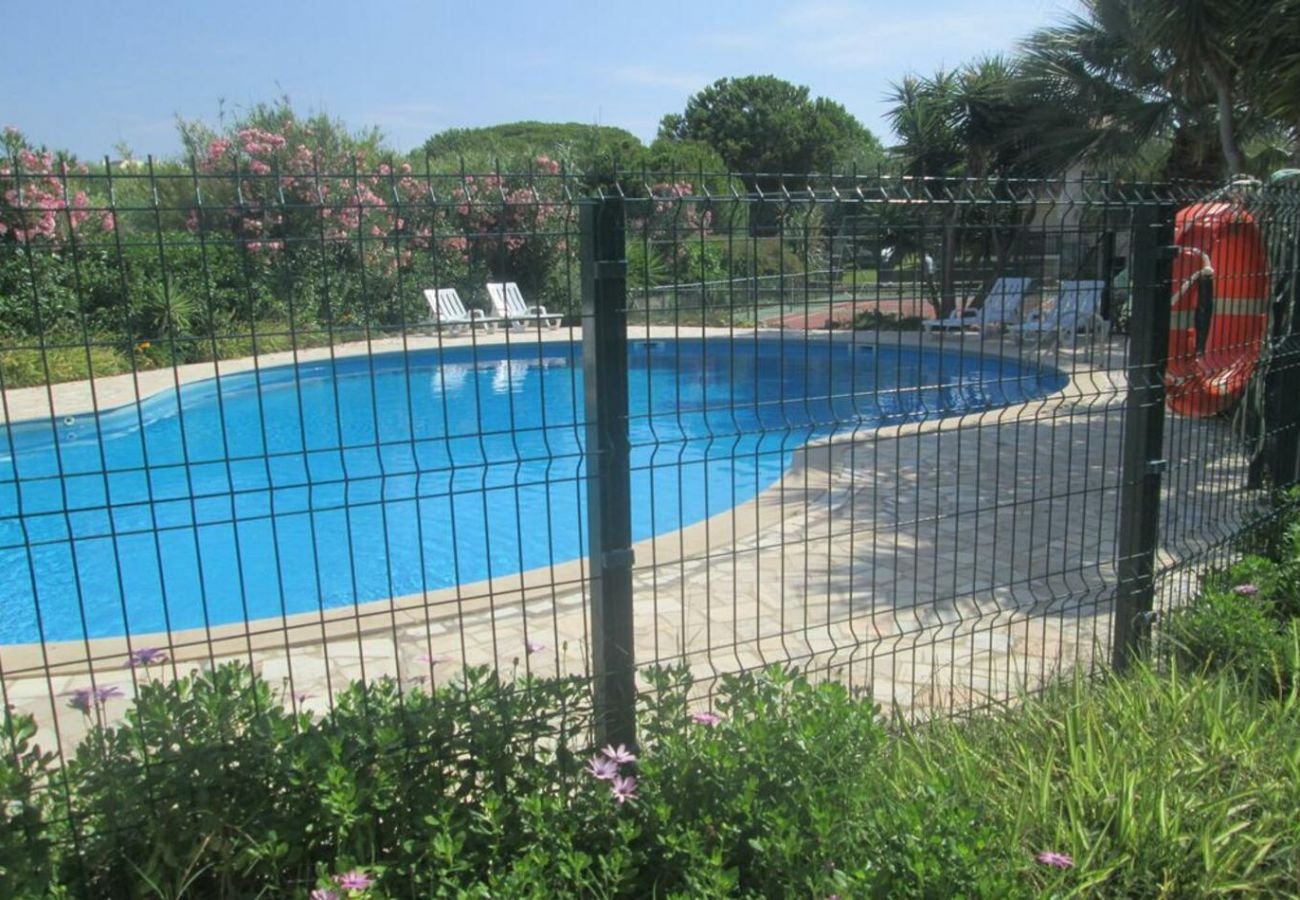 House in Quarteira - Holiday house with pool in Quarteira, by iZiBookings