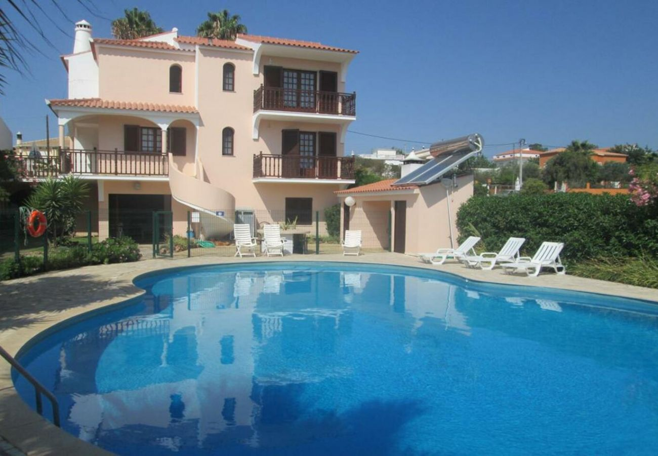 Rental house in Quarteira - pool, by Izibookings