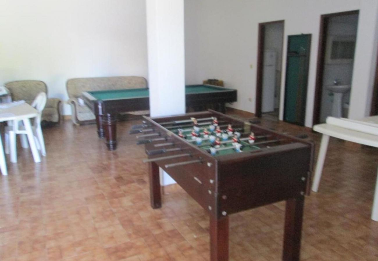 Rental house in Quarteira - games room, by Izibookings