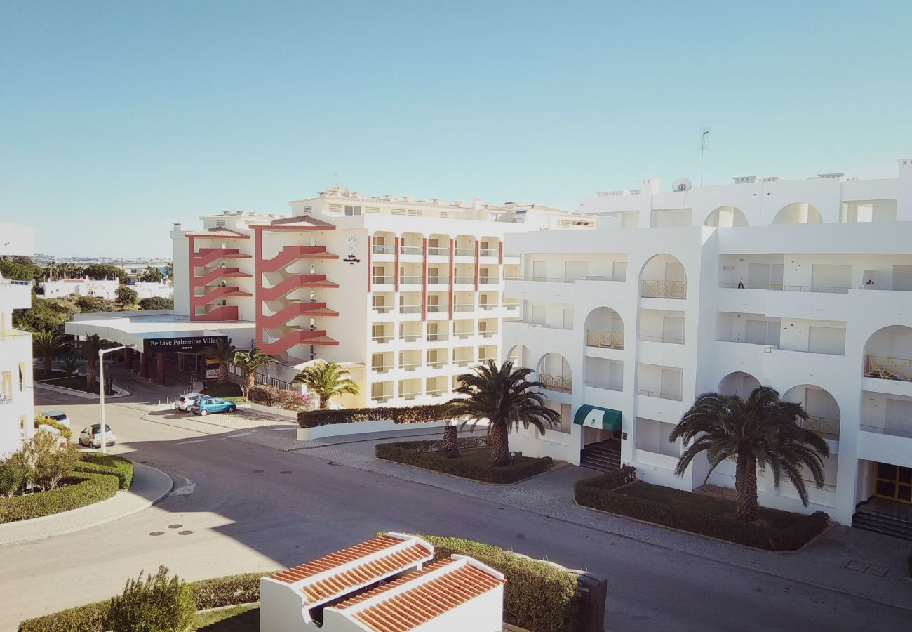 Apartment in Lagoa - Apartment on Porches Beach, by iZiBookings