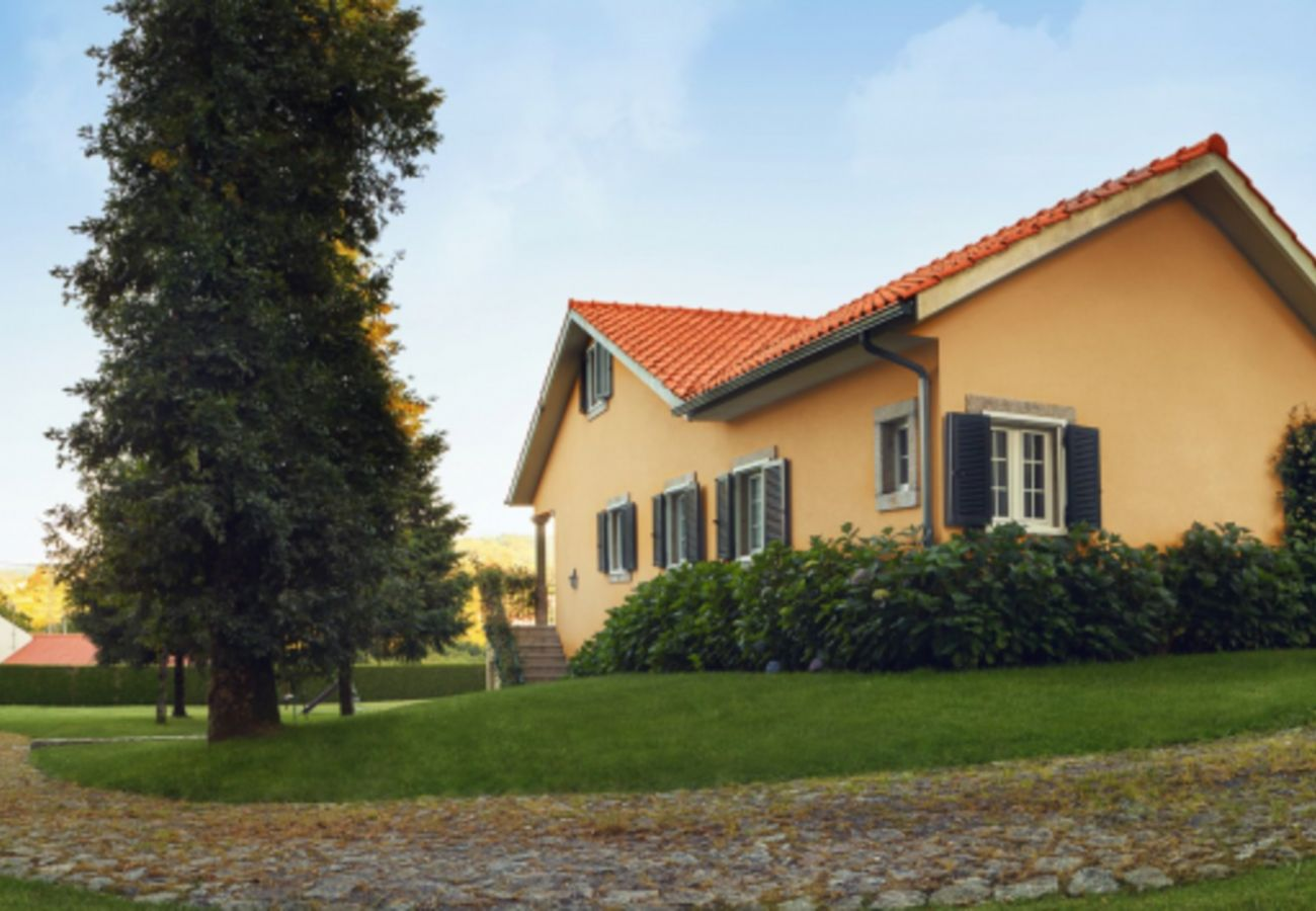 Villa in Paredes de Coura - Rustic villa with pool and playground, by iZiBookings
